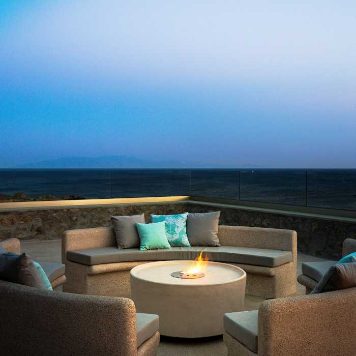 Fire pit (1st floor terrace shared by the 2 bedrooms)