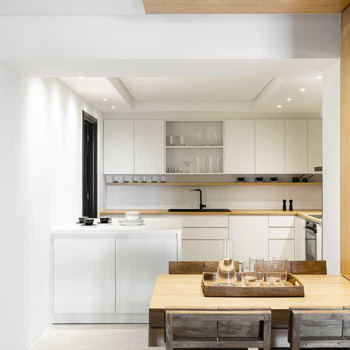 Main kitchen (1st floor)